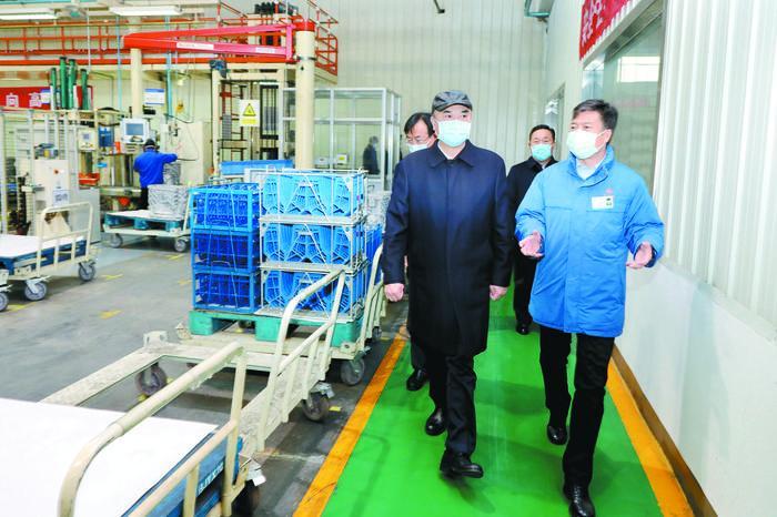 刘国中:统筹抓好疫情防控和经济社会发展