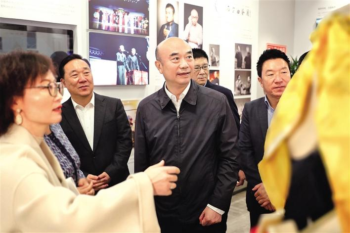 刘国中:加强保护传承 加快转化利用 更好满足群众精神文化生活