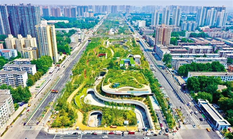开窗见绿、转角有景 体验都市活力 喜看古城展新颜